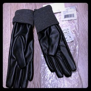 Block faux gloves